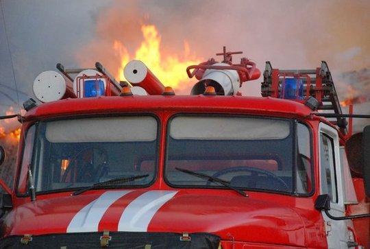 Ночью в Сызрани на пожаре погибла женщина. Мужчину удалось спасти