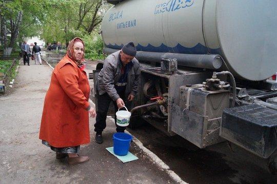 В Уваровке пока не удалось устранить серьезную аварию: водопроводные краны остаются сухими три дня